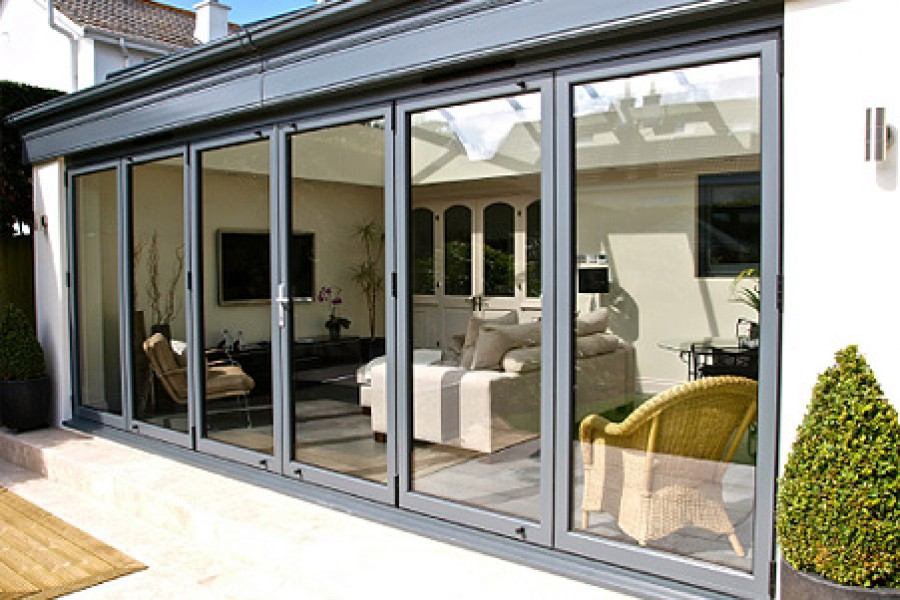 Bi-folding Doors from Frametrade